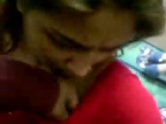 desi hotty in red saree disrobe and bj