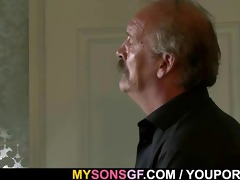 blow job sex swap with his daddy and gf