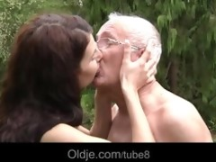 oldman fucks hussy brunette hair teeny in butt