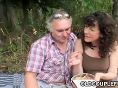 trio face-sitting picnic